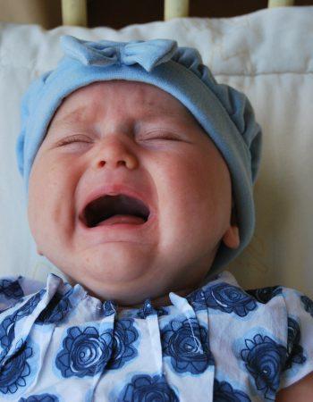 כל הסיבות לבכי של התינוק שלכם